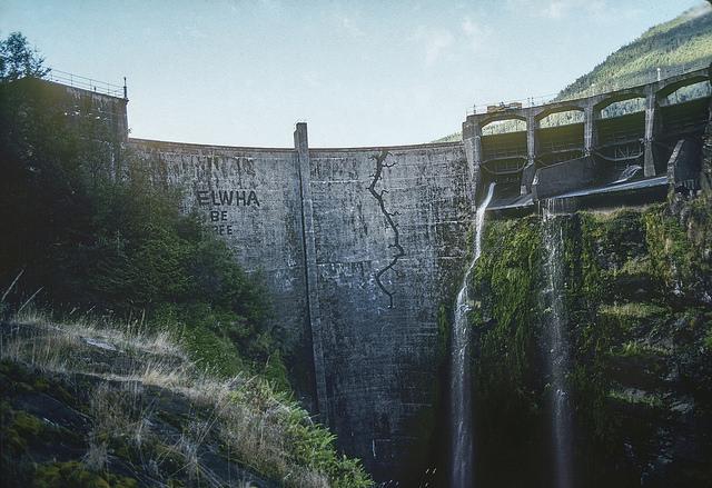 """クレイジーな人々が新しい時代を創る!「ダム撤去」を常識に変えた""""ダムバスター"""""""