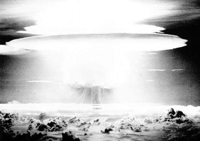 マーシャル諸島では12年間毎日、広島原爆級の核爆弾1.7個相当分が爆発していた