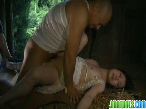 絶倫男達に連続でレイプされる黒髪お姉さんのアダルトな日活ロマン無料セックス動画