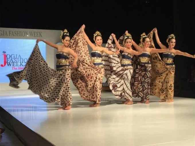 Contoh Kliping Batik