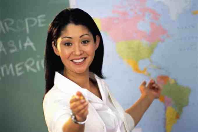 Anekdot Guru Selalu Benar