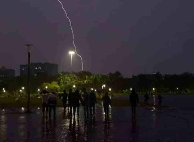 Contoh Argumentasi Terkait Hujan