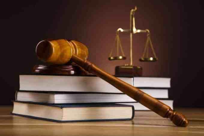Contoh Teks Opini Tentang Hukum