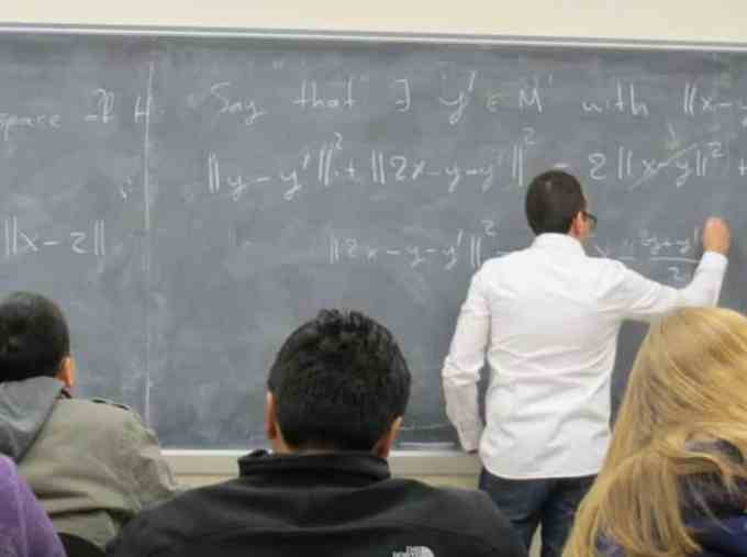 Contoh Surat Lamaran Kerja Dosen Matematika UNY
