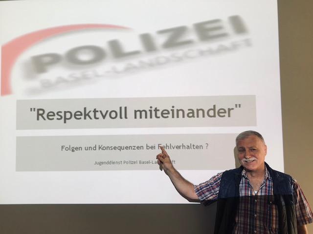 EILMELDUNG: Polizei in der Schule!!!