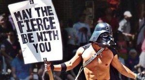 Darth Vader topless, speciaal voor de vrouwen