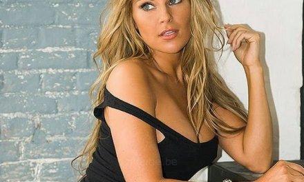 Melissa van Hoydonck, Belgische Babe, is sexy in lingerie