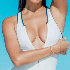 Irina Shayk, topless voor Maxim Magazine