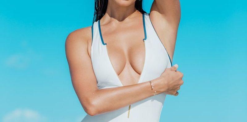 irina-shayk-topless-voor-maxim-magazine