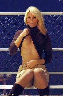 vicky-blond-mooi-en-naakt-156