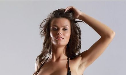 Katelin is echt geil in lingerie