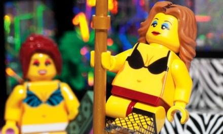 Lego voor mannen; de stripclub