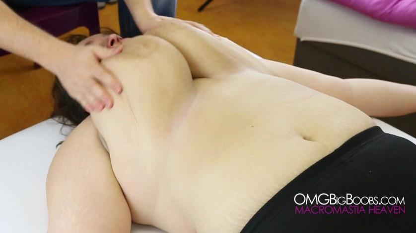 goed massage enorme tieten
