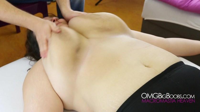 vanavond massage enorme borsten