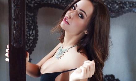 Adrienn Levai, Hongaars model, geil naakt