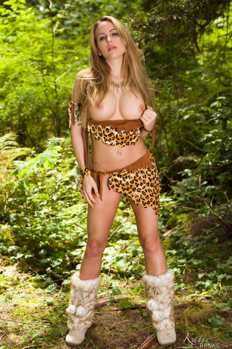 katie-banks-big-tits-in-the-woods-06