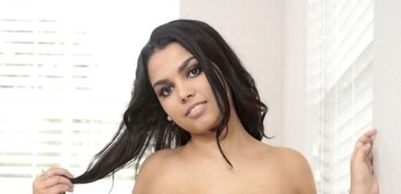 Ada Sanchez, exotische schoonheid met grote tieten