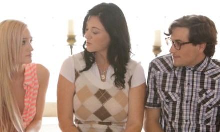 Stiefmoeder leert stiefzoon hoe je moet neuken