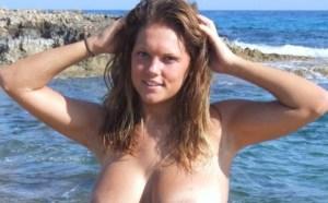 Bloot gewone vrouwen en sex op het strand