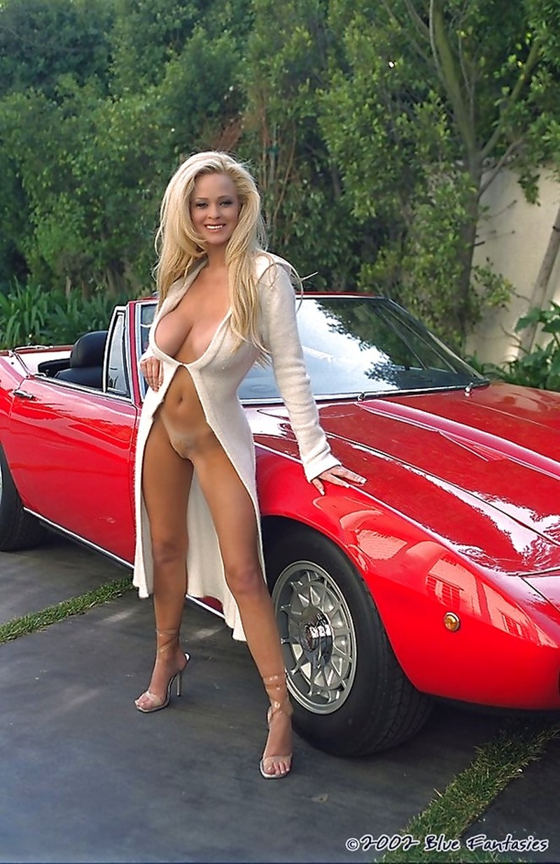 muscle car sexy girls