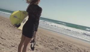 Top video's, surfen met hoge hakken, fails, wins en meer