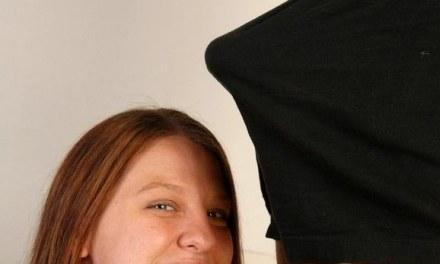 Dikke vrouw doet aan neuken en ze krijgt een facial