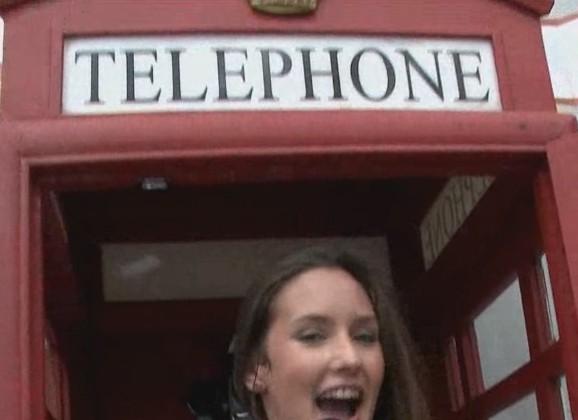 Masturberen in een telefooncel 🎥