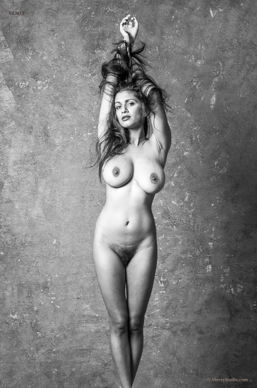 sabine-naked-black-and-white-photos-08