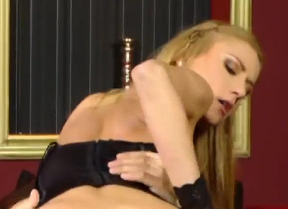 Amy Reid anale seks