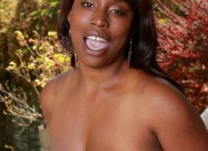 Mature donkere amateur vrouwen, topless en naakt