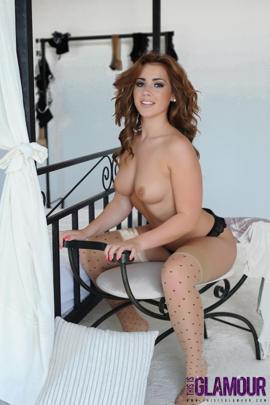 geena-mullins-geile-striptease-in-de-slaapkamer-13