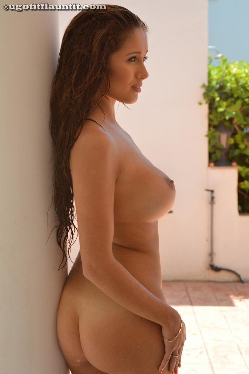 sophie-grote-tieten-in-bikini-en-naakt-15
