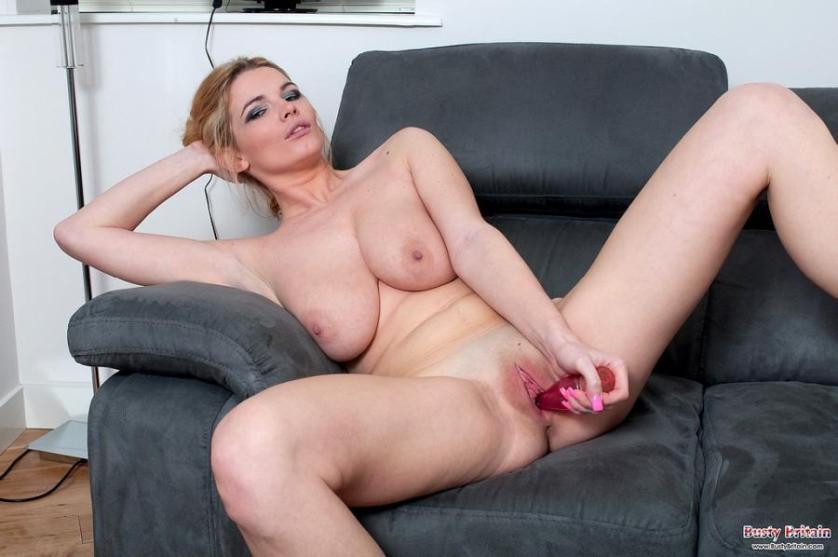 Vrouw uit Engeland met grote borsten