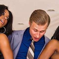 Megan Vaughn, ebony babe, een trio en anaal geneukt
