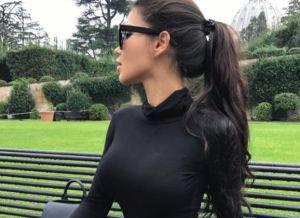 Instagram babe met grote tieten, Sveta Biljalova
