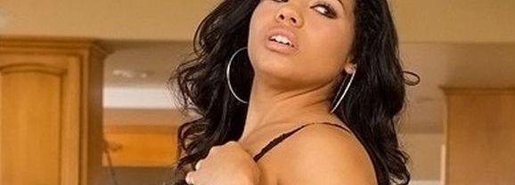 Selena Rios, geile Latina dienstmeid heeft sex met haar baas