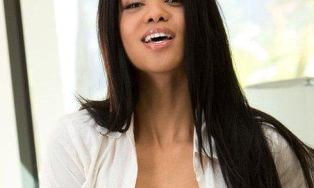 Alyssa Lee, een knappe ebony babe met een strak lichaam