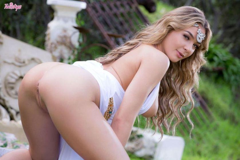 Blair Williams, beeldschone blonde prinses is heel erg lekker