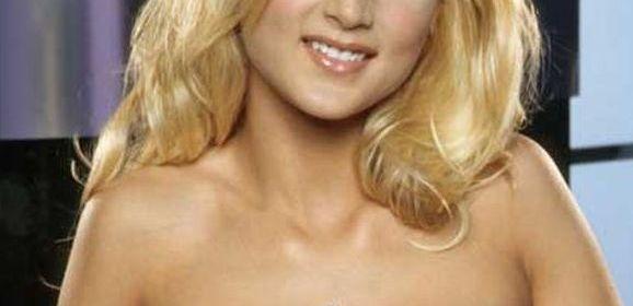 Paris Dahl, blond en lekker, heeft een mooi glad kutje