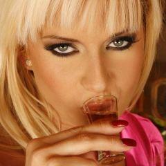 Neuken likeur past niet bij verantwoorde alcoholmarketing 📷