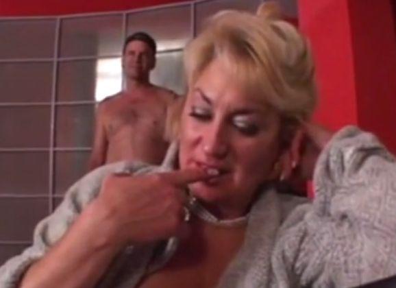 Hete natte naakte vrouwen