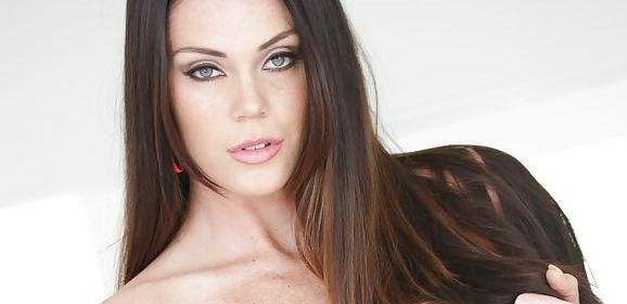 Alison Tyler heeft, net voor de VriMiBo, sex op kantoor