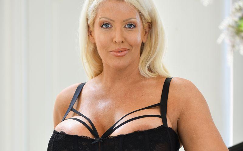 zwarte grote tieten Sex grote lul shemale Cuming