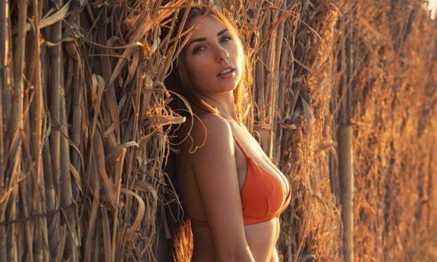 Niemira, lekker als altijd, mooi naakt op het strand