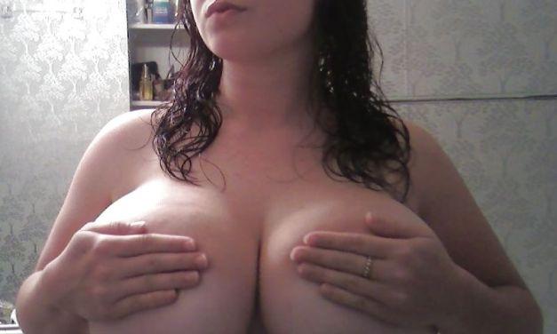 Knappe BBW vrouwen met dikke tieten, topless en naakt