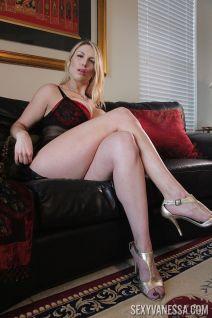 mooie-moeder-met-grote-borsten-Joslyn-Jane-03