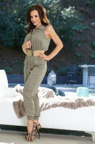 Lisa Ann, knappe brunette milf