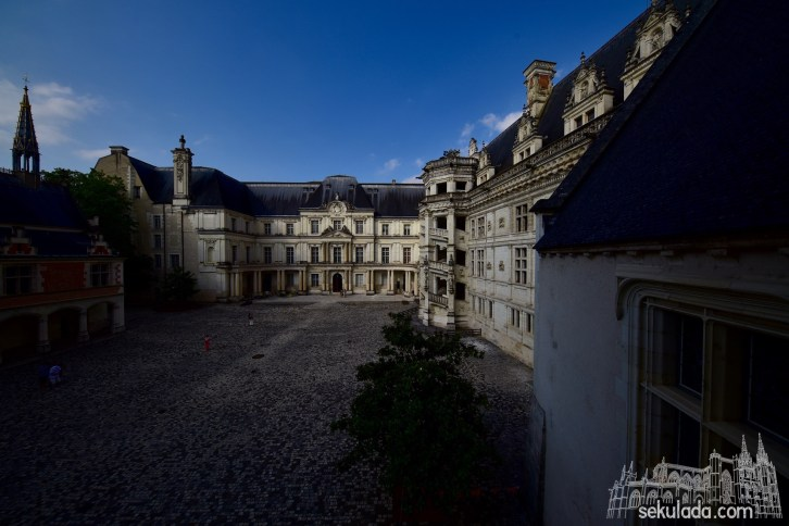 Królewski zamek w Blois (fr. Château Royal de Blois); Region Centralny-Dolina Loary, Francja.