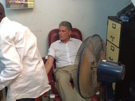 British-High-Commissioner-donates-blood-2-730x547