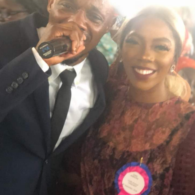 Video: Gospel Singer Chris B Features Tiwa Savage During Ministration!